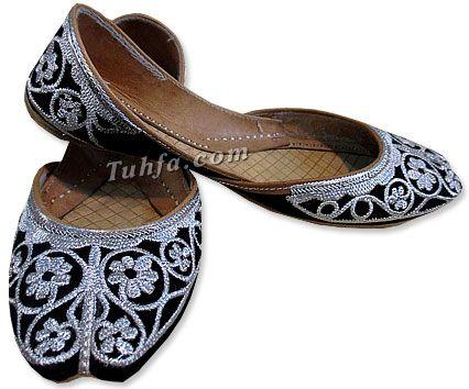 Pakistani khussa for women