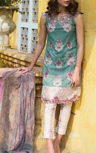 Pakistani Lawn Collections